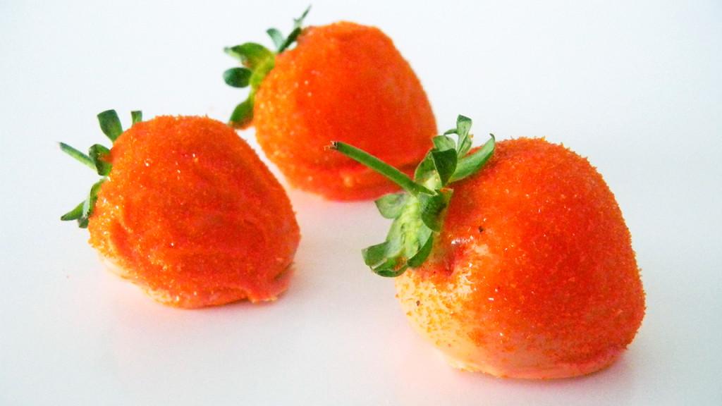 carrot strawberry thumb