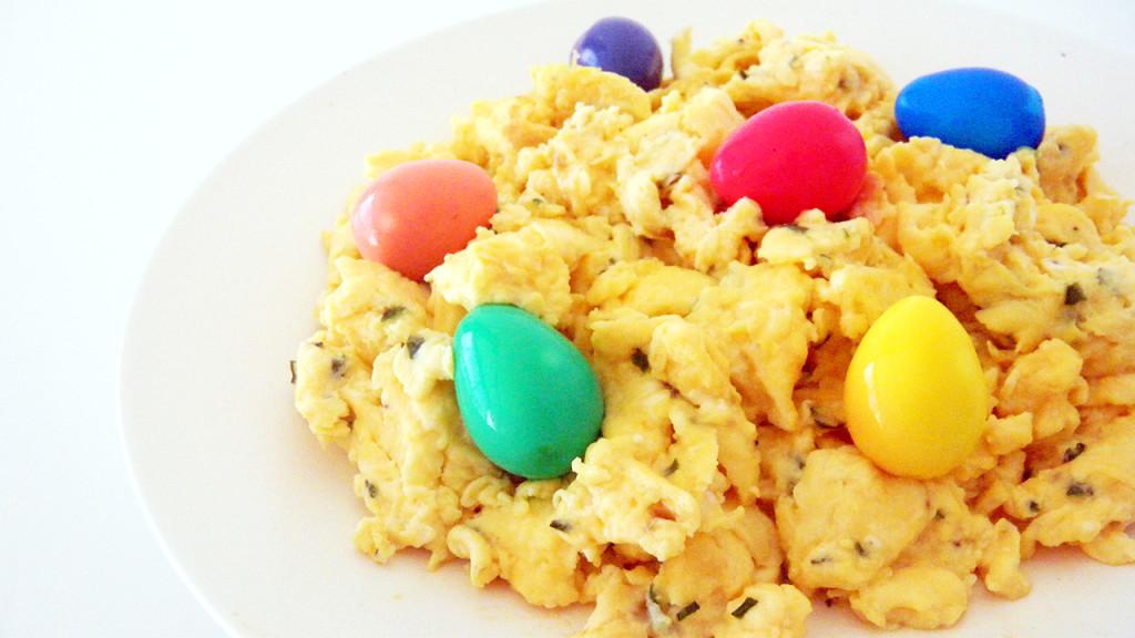 easter scrambled eggs thumb