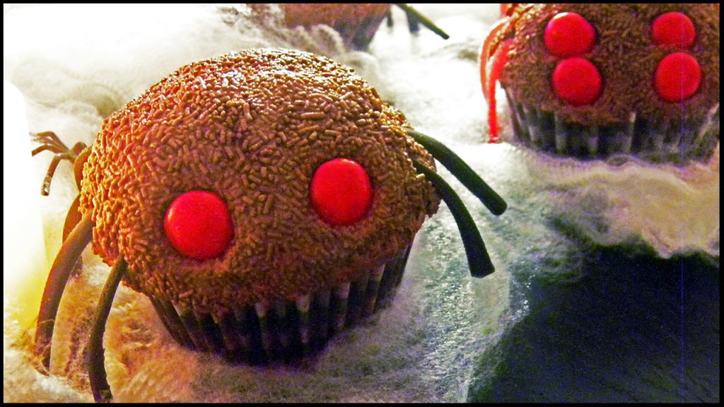 tarantula cupcakes thumb