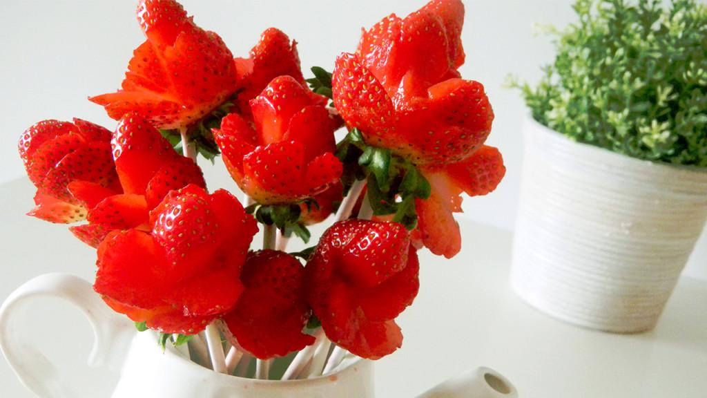 strawberry roses thumb