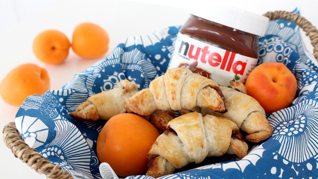 nutella croissant thumb