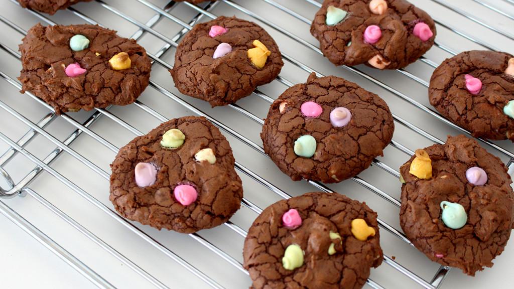 rainbow chip cookie thumb