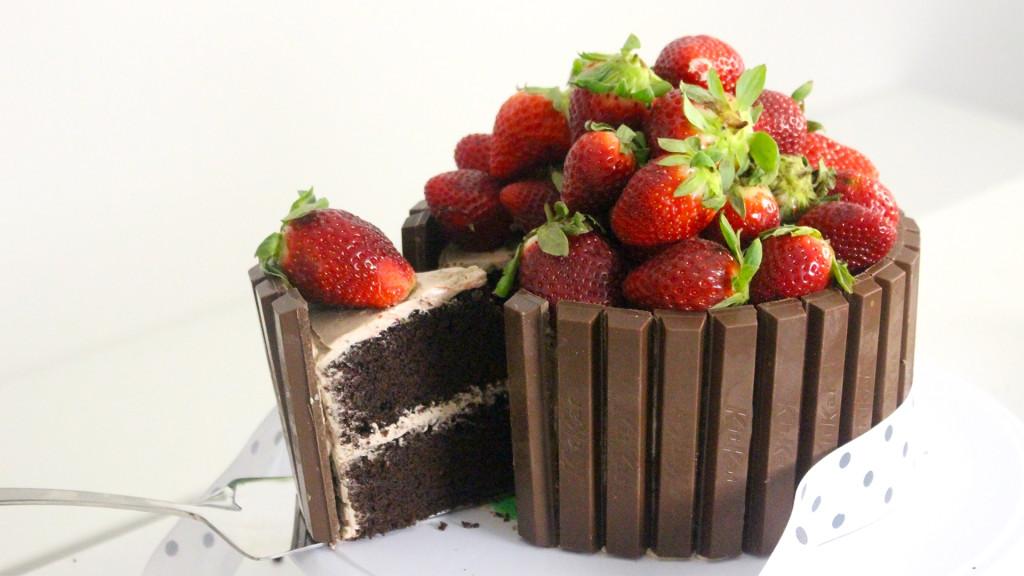 kitkat cake thumb